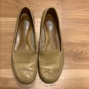 Born nude leather loafers size 8